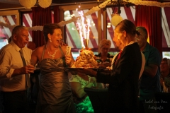 IsabelvanVeen-Shoots-Feest-bruidspaar-dessert (9)