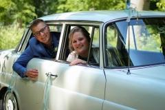 IsabelvanVeen-Shoots-Trouwreportage-bruidspaar-auto-trouwauto (8)